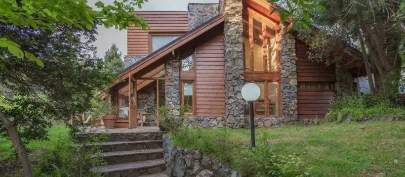 Alquiler de Casa Antilhue en Villa la Angostura Neuquén Argentina